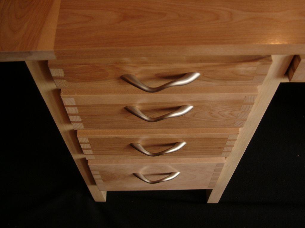 Bureaux 9 tiroirs for Bureau merisier